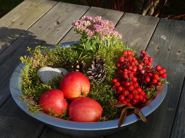 podzimní dekorace na míse