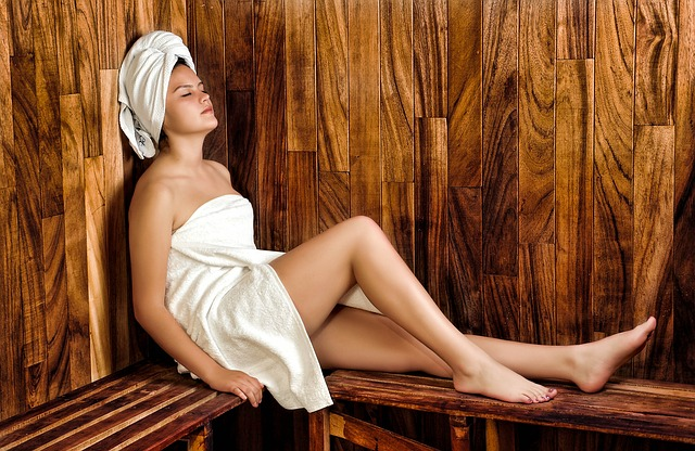 žena v sauně