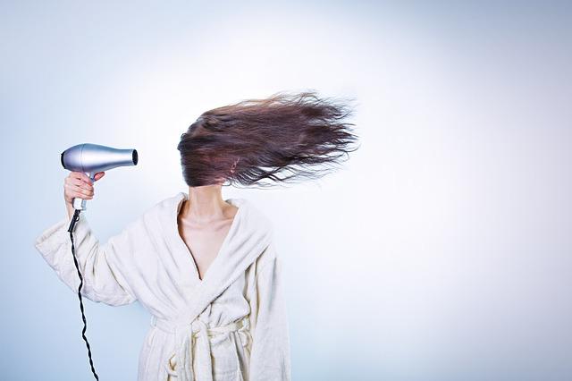 Jak chránit vlétě vaše vlasy před sluncem?