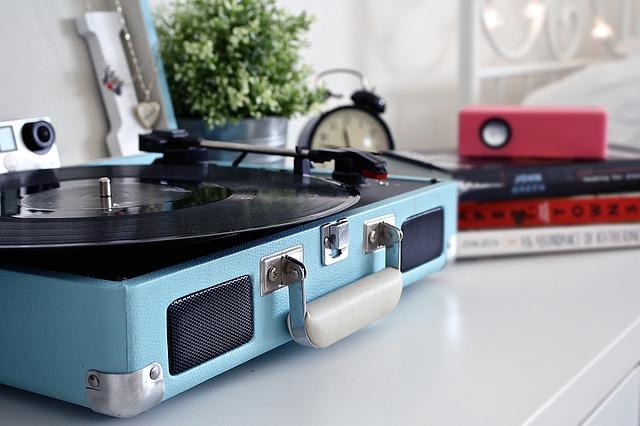 gramofon v kufru