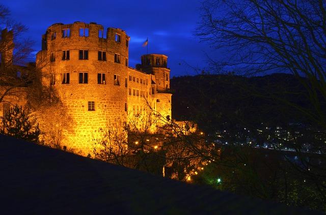 osvětlená pevnost