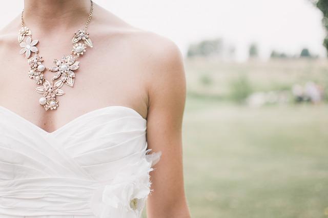 Krásné, a přitom levné svatební šaty