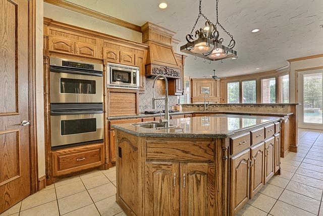 Luxusní dřevěná kuchyně