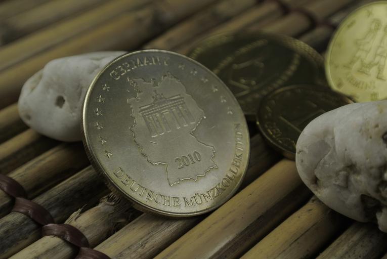 mince naaranžovaná