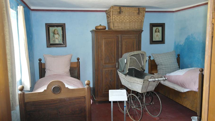 starobylý nábytek