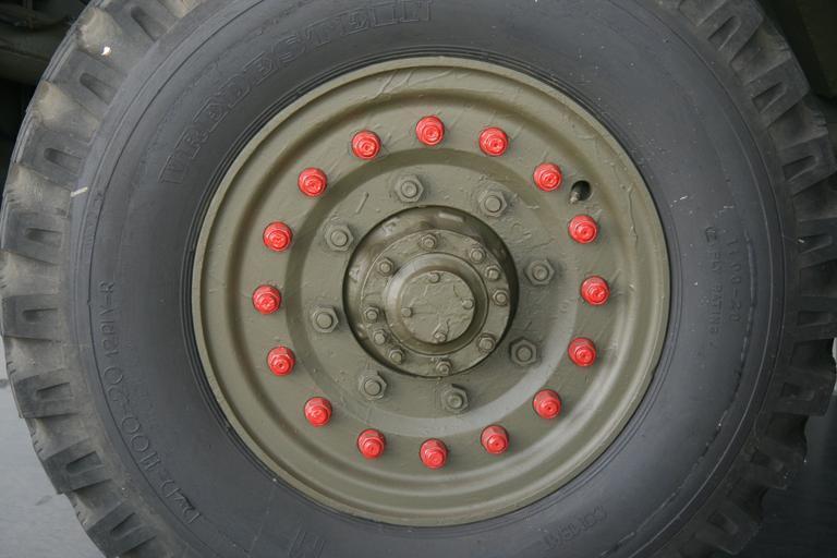 pneumatika náklaďáku