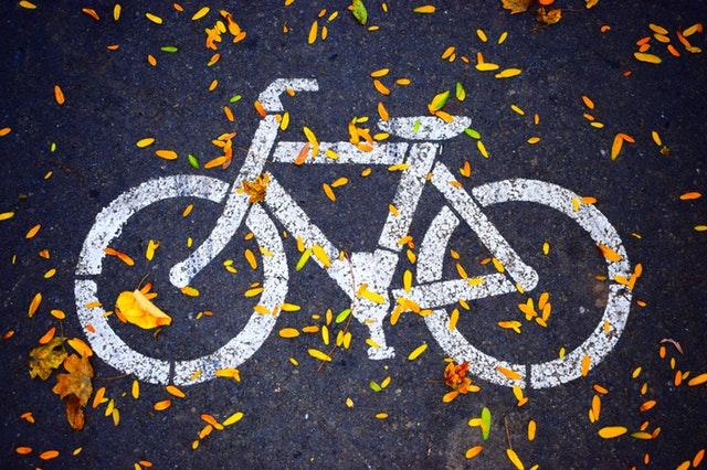 silniční značka – bílé kolo