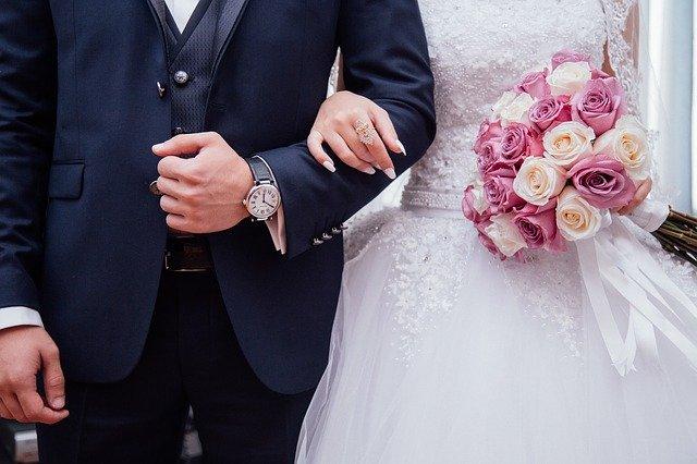 Pár ve svatební den