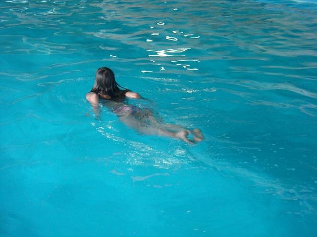 Bazén je třeba zazimovat